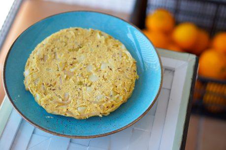 Tortilla de patatas vegana, prebiótica, sin freír y sin gluten + cómo cocinar las patatas para aumentar su contenido en ALMIDÓN RESISTENTE