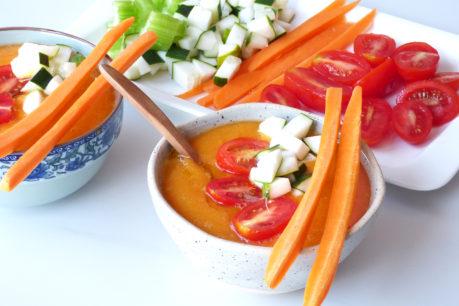 Sopa crudivegana antioxidante de mango y zanahoria